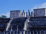 Temple of the Warriors at Chichen Itza - chichen itza mayan ruins,chichen itza mayan temple,mayan temple pictures,mayan ruins photos